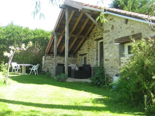 Ambiance Lavande : Bed and Breakfast near Pageas
