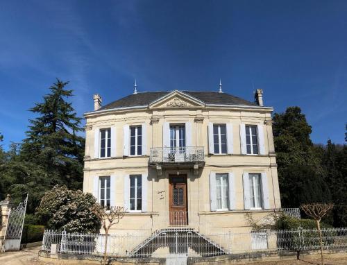 La Villa du Château Belloy : Guest accommodation near Saint-Aignan