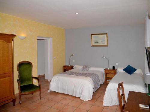 Logis De L'Etang : Hotel near Cucuron