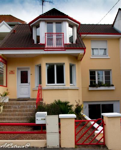 Appart'hôtel Villa Antibes : Guest accommodation near Tubersent