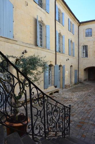 Appartement dans Hotel de Flaux : Apartment near Arpaillargues-et-Aureillac