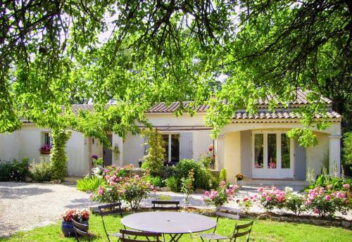 Bed & Breakfast Villa Isis : Bed and Breakfast near Garéoult