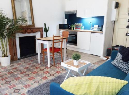 Charmant F2 Hyper Centre : Apartment near Avignon