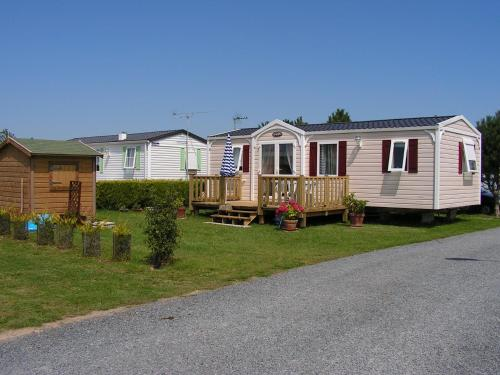 CAMPING LE CANADA*** : Guest accommodation near Éroudeville