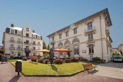 Les Thermes - Cerise Hotels & Résidences : Guest accommodation near Velorcey