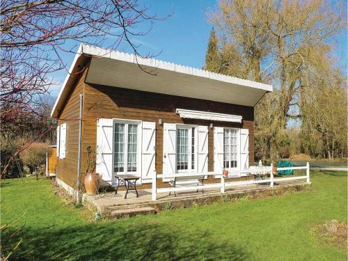 Holiday Home Dimont Rue Des Sars Poteries : Guest accommodation near Felleries