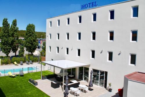 Brit Hôtel Martigues Nord : Hotel near Saint-Mitre-les-Remparts
