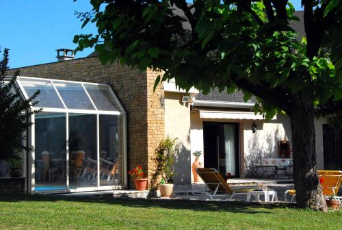 Le Clos du Loup : Bed and Breakfast near Bossieu