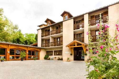 Le Catinat Fleuri : Hotel near Saint-Crépin