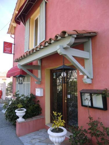 Le Beau Site : Bed and Breakfast near Colomars