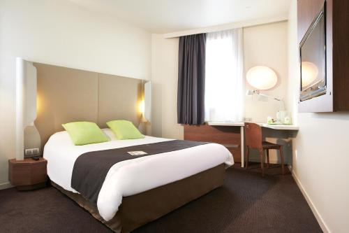 Campanile Saumur : Hotel near Les Ulmes
