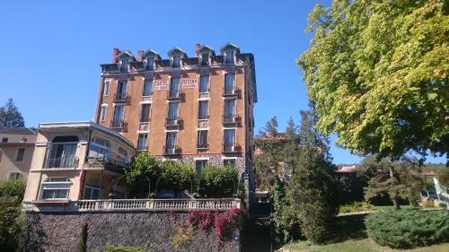 Castel Regina : Hotel near Saint-Jacques-d'Ambur
