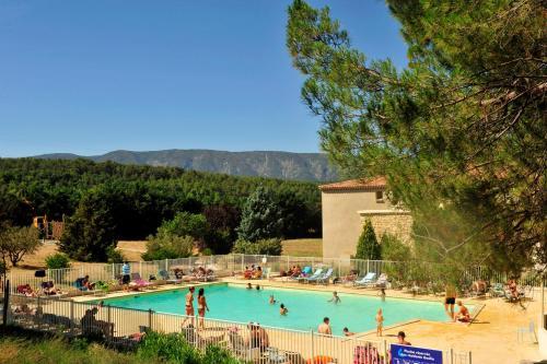 Résidence Goélia Le Domaine du Moulin Blanc : Guest accommodation near Beaumettes