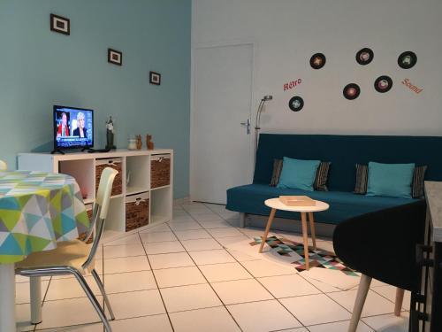 Chloe : Apartment near Compeyre