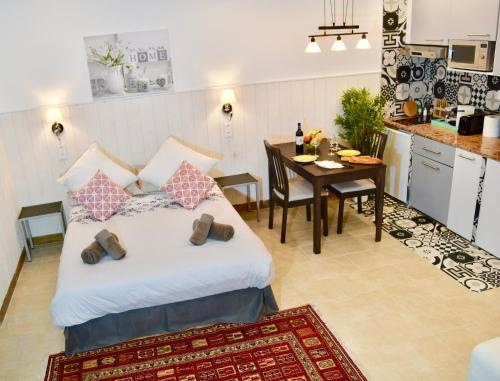 Home Services : Apartment near Issy-les-Moulineaux