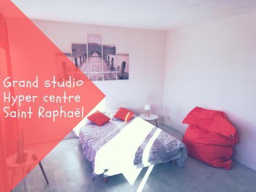 Grand Studio Saint Raphael : Apartment near Saint-Raphaël