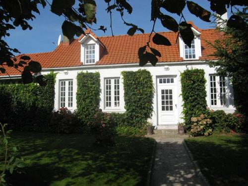 Les Tilleuls : Guest accommodation near Landrethun-le-Nord