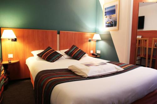 Kyriad Les Ulis - Courtaboeuf : Hotel near Saint-Chéron