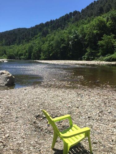 Camping des Drouilhèdes : Guest accommodation near Le Martinet