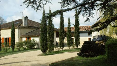 La Métairie du Clos Saint Louis : Bed and Breakfast near Baudignan