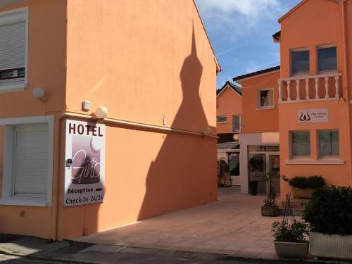 Apart Hotel Résidence Villa Antibes : Guest accommodation near Tubersent