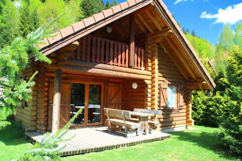 Chalet Individuel en Rondins Vologne 2 Chambres : Guest accommodation near Wildenstein