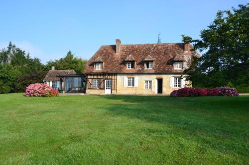 Maison d'Hôtes la Bihorée : Bed and Breakfast near Le Mesnil-Germain