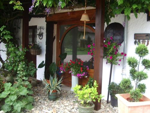 Chambres d'Hôtes des Caissons : Bed and Breakfast near Saint-Loup