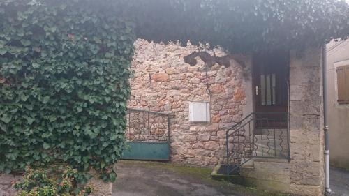 Saint Paul des Fonts : Guest accommodation near Cornus