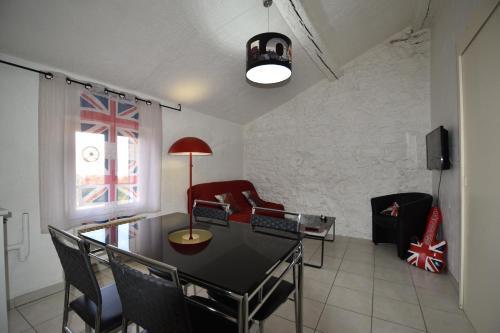 Lacordaire Saint-Roch : Apartment near Toulon