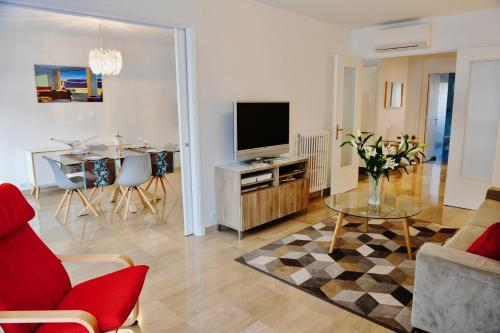Roi Chevalier : Apartment near Antibes