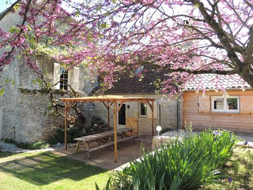 Le Pigeonnier : Guest accommodation near Miers