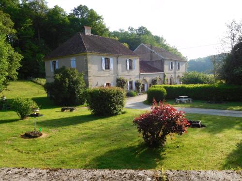 Les Gîtes de Cherlieu : Guest accommodation near Cendrecourt