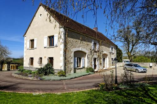 Les Bordes : Guest accommodation near Chazeuil