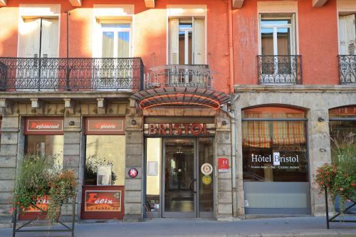 Hotel The Originals Le Puy-en-Velay Bristol (ex Inter-Hotel) : Hotel near Ouides