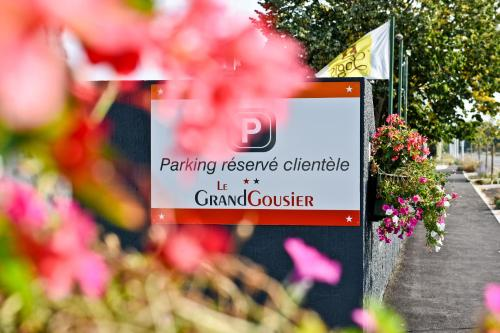 Logis Hotel Le Grandgousier : Hotel near Argelouse