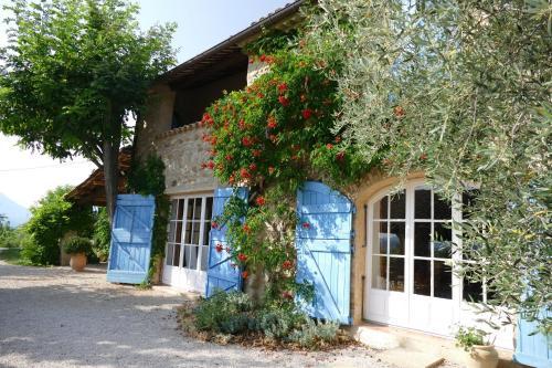Chambre d'Hôtes le Jas des Sagnières : Bed and Breakfast near Saint-Genis