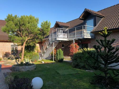 Aux Herbes Hautes : Guest accommodation near Strazeele