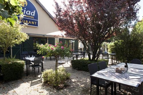 Kyriad La Ferte Bernard : Hotel near Ceton