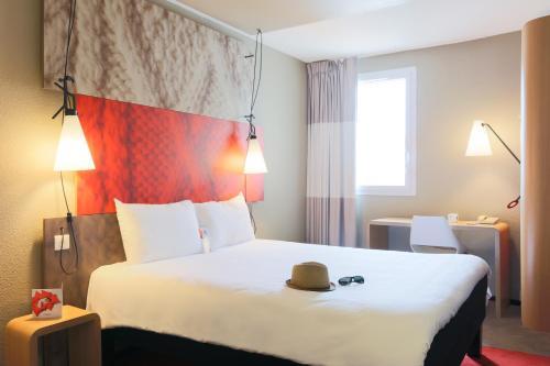 ibis Carcassonne Est la Cité : Hotel near Bouilhonnac