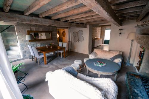 Gite La Paloma : Guest accommodation near Aramon