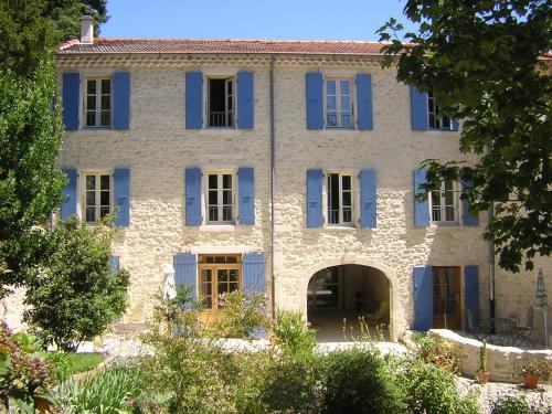 La Rialhe : Bed and Breakfast near Montbrison-sur-Lez