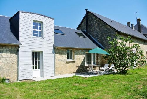 Ferienhaus Le Mesnil-Patry 400S : Guest accommodation near Saint-Manvieu-Norrey