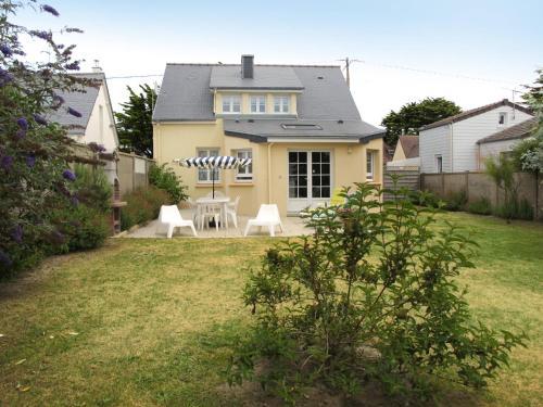 Ferienhaus Quineville 400S : Guest accommodation near Foucarville