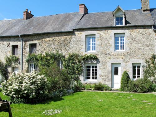 Reihenhaus Sartilly 400S : Guest accommodation near Saint-Jean-le-Thomas