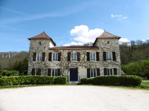 Les Tours Celtique : Guest accommodation near Touzac