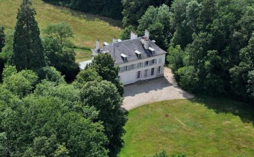 Château de Séréville - Guest House : Bed and Breakfast near Vaux-sur-Lunain
