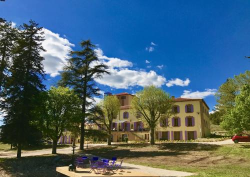 Chateau Ferrassieres : Apartment near Saint-Trinit