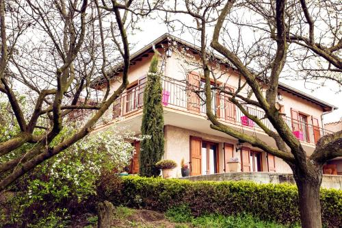 Chambre d'Hôtes des Lys : Bed and Breakfast near Montverdun