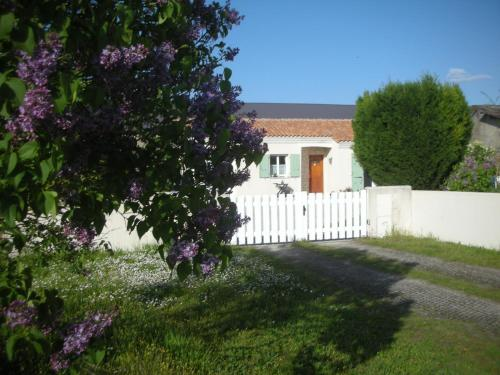 Chambres d'hôtes : Bed and Breakfast near Beaulieu-sur-Sonnette